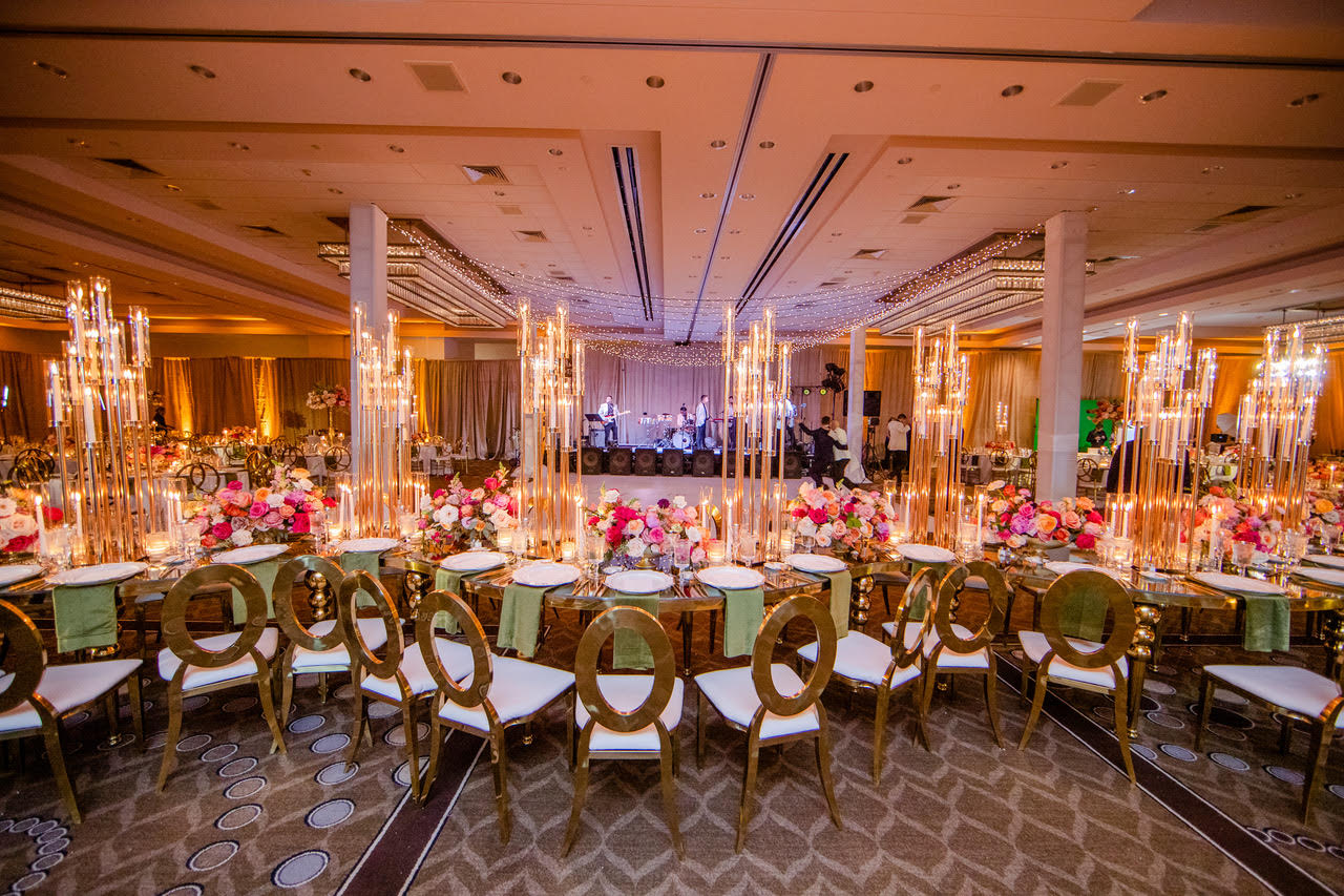 String lights wedding Fontainebleau Miami Beach