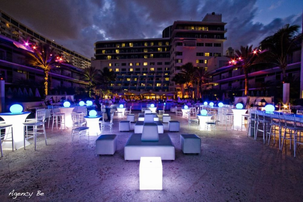 LED Floating ball LED floating Sphere LED Light Balls outdoor decor Miami