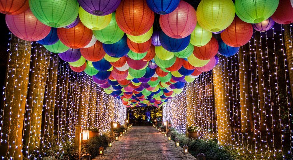 Rent paper lanterns in Miami